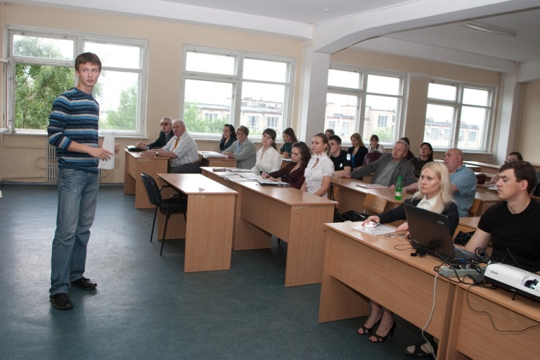 Student's report and presentation on the conference «Student Spring» is evaluated by colleagues and teachers of the Department